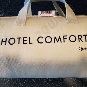 Hotel Comfort Bedding - Brand new!  Hotel Comfort pillow!